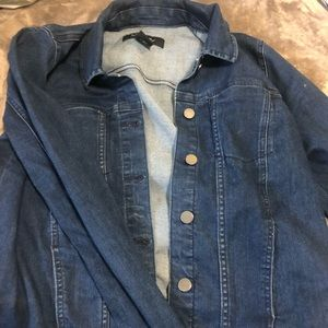 i'm selling a super cute Calvin Klein jean jacket